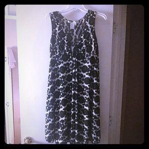 Black flower print shift dress